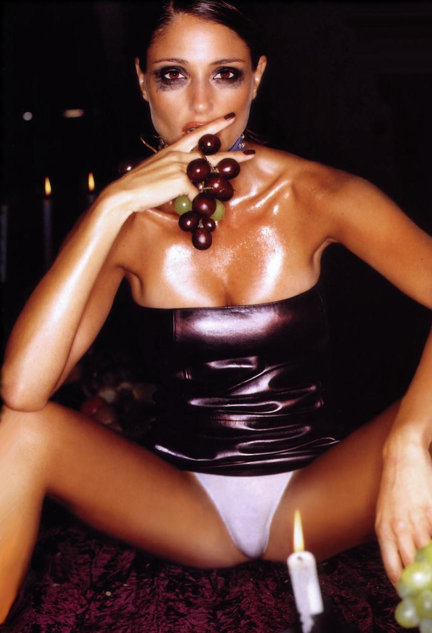 Julia louis-dreyfus nude cum naked scenes